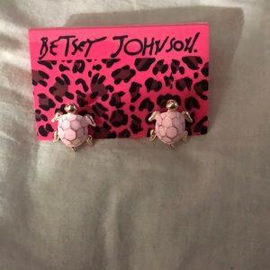 Betsey Johnson turtle post earrings